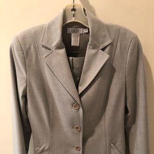 Laundry light gray suit